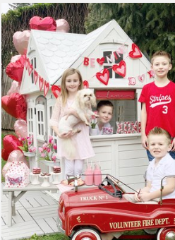 Playhouse : How we decorate for Valentines Day