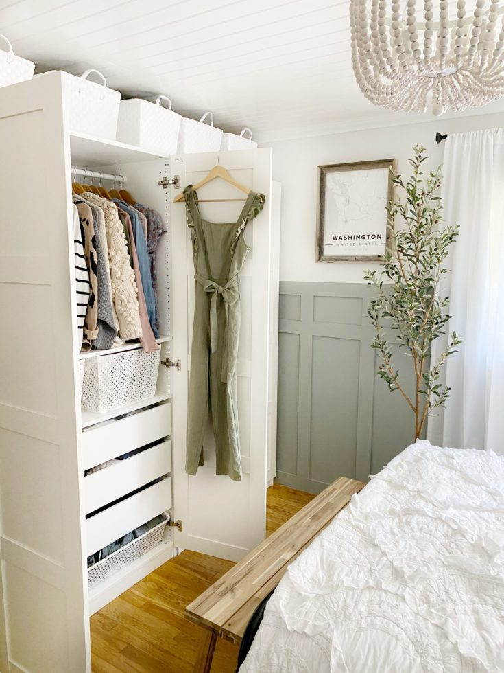 How to Organize a Bedroom Closet ( All Ages)